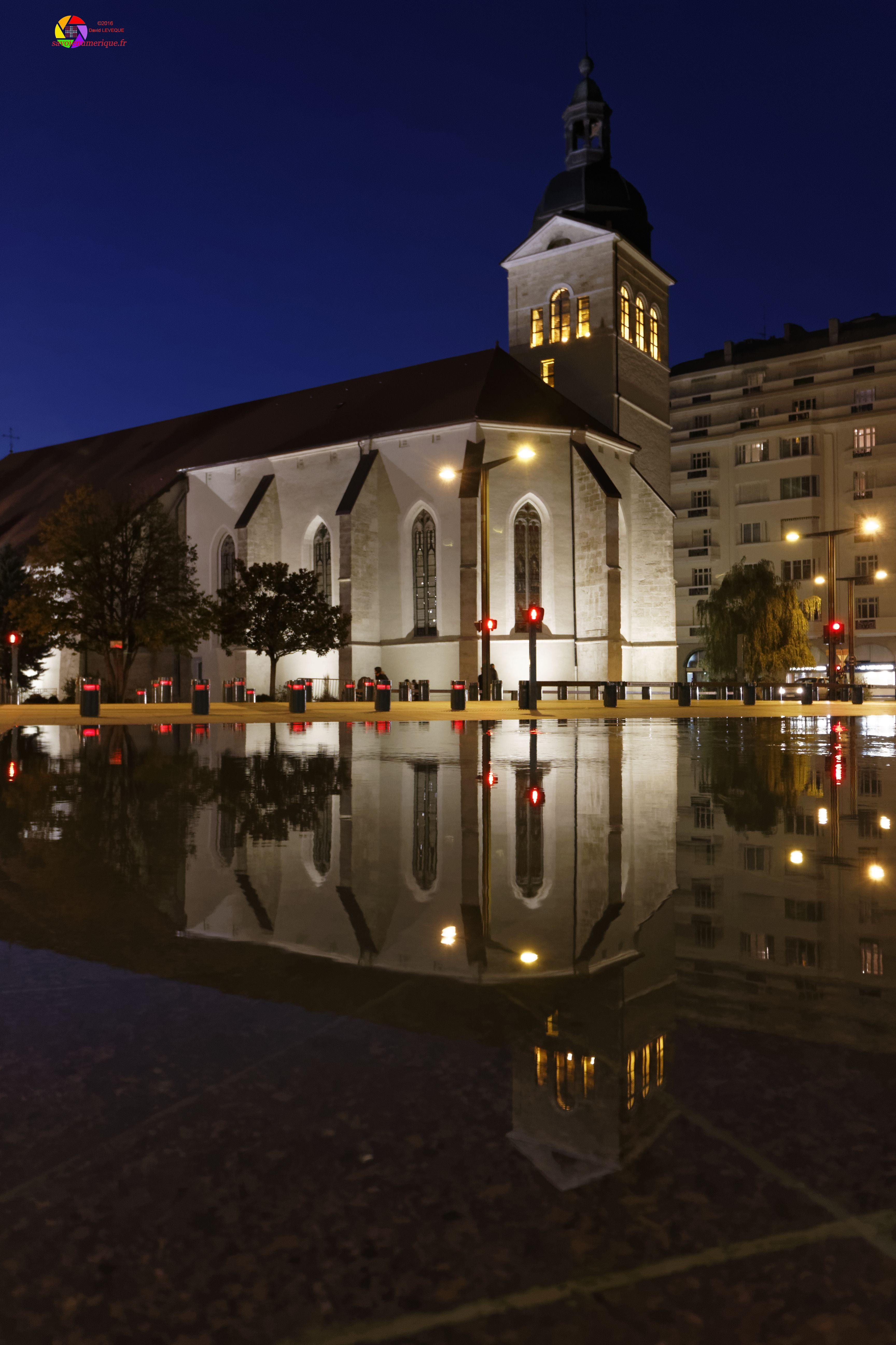 Eglise Saint Maurice en nocturne.