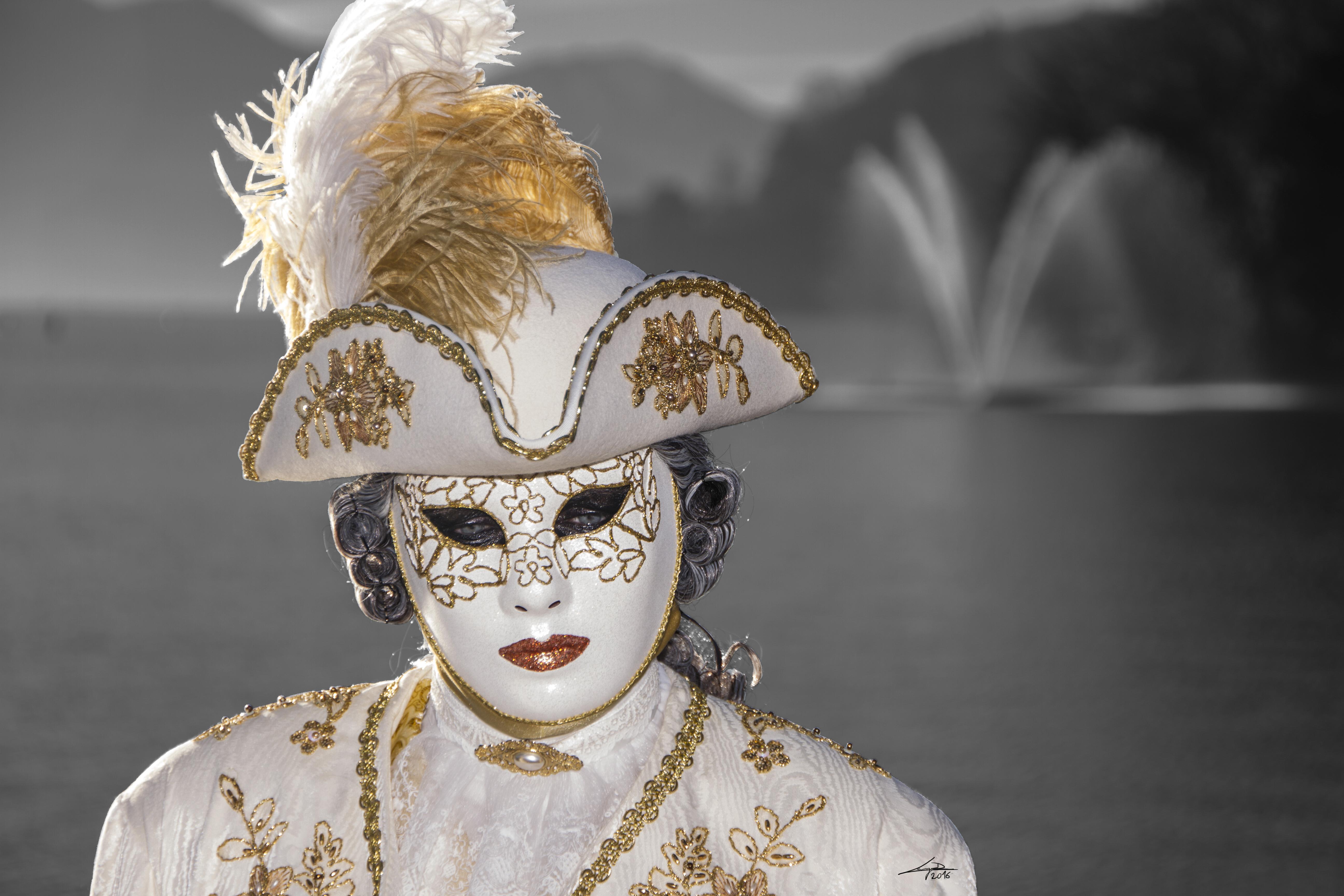 Masque vénitien au bord du lac d'Annecy 2016