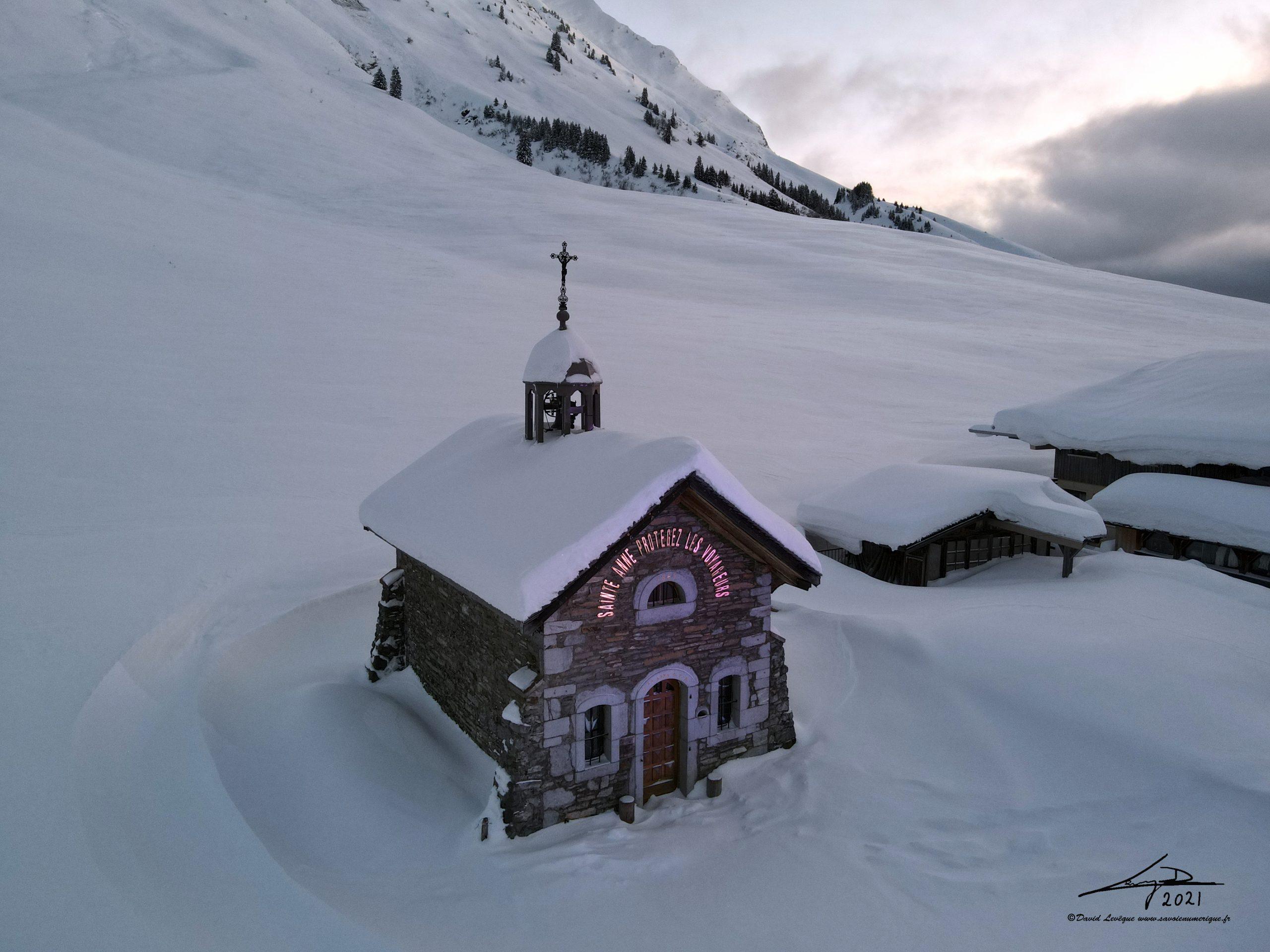 Chapelle Sainte-Anne, Col des Aravis